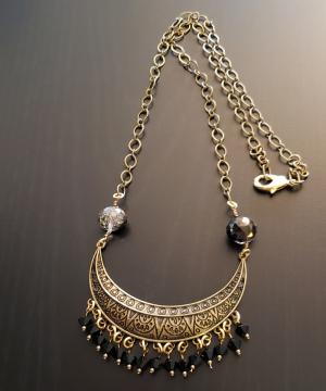 Ethnic collar Black Crystal necklace