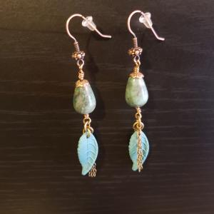 Green Stone Leaf charm Earrings